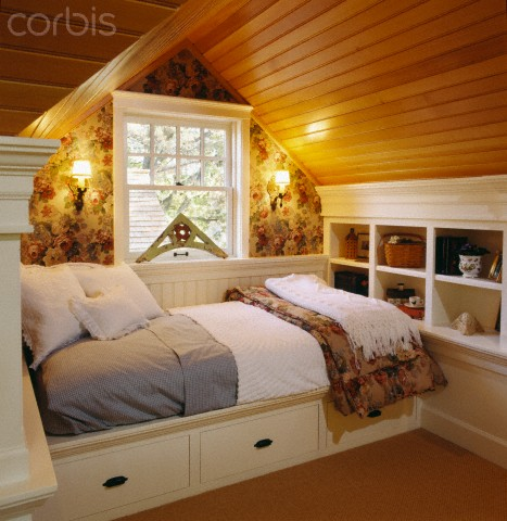 Attic bedroom with built-in daybed